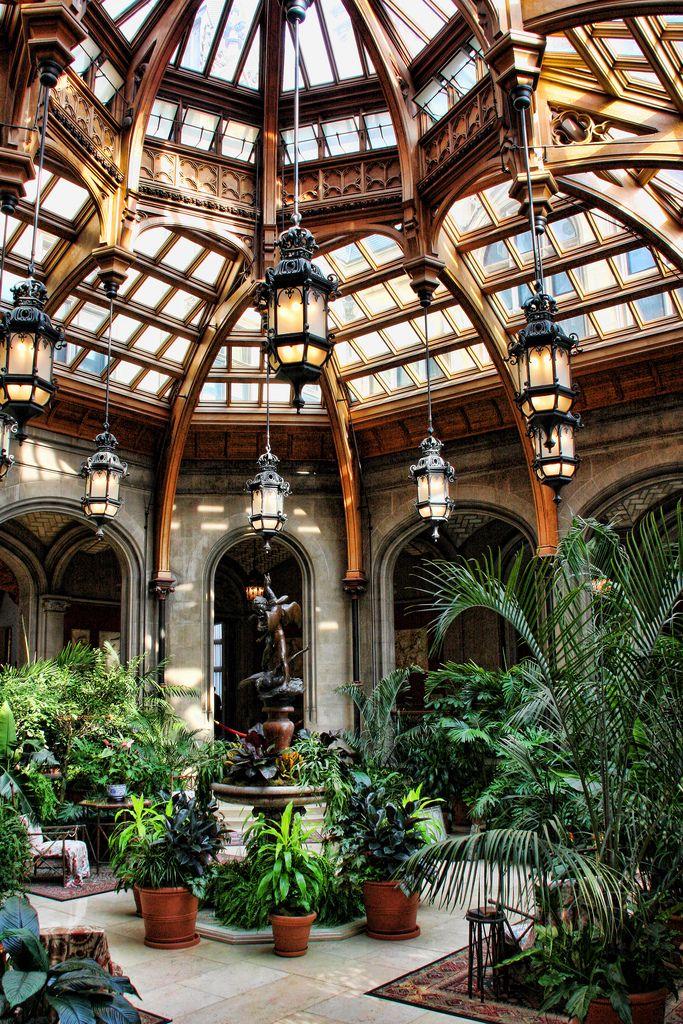 Зимний сад оформленный в викторианском стиле