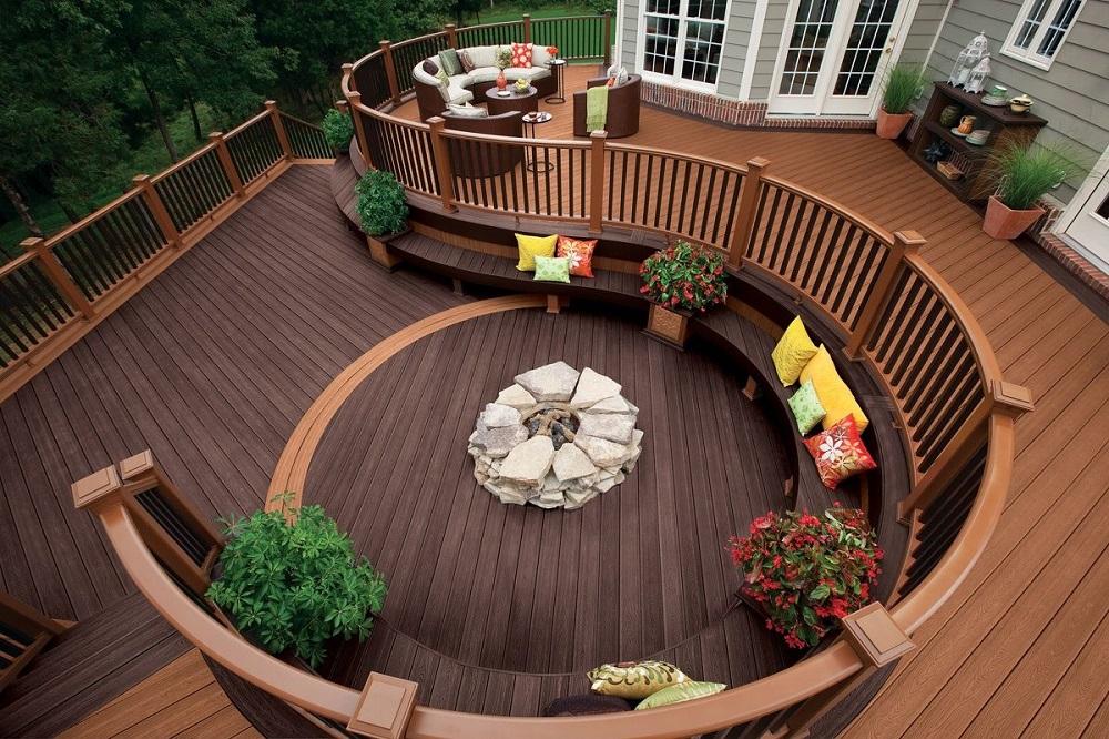 Деревянная скамейка - отличная мебель для сада