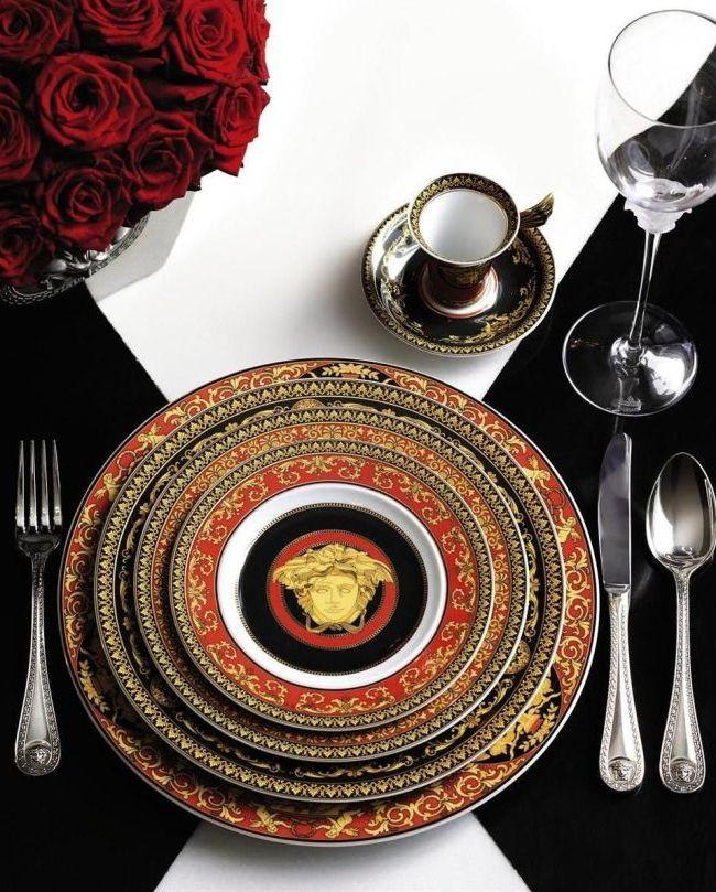 Столовый сервиз от бренда Versace