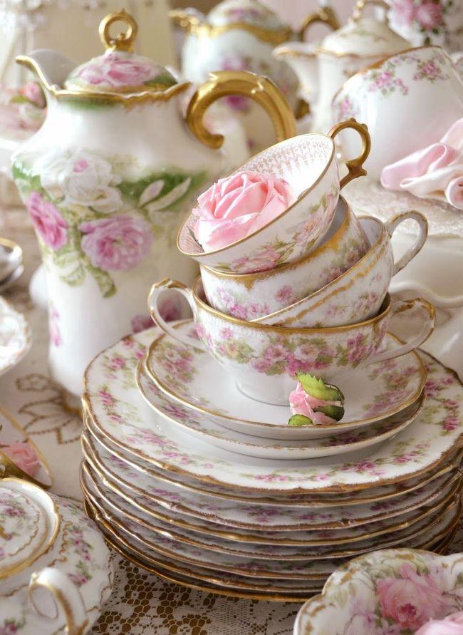 Нежный столовый сервиз в цветочном прованском дизайне