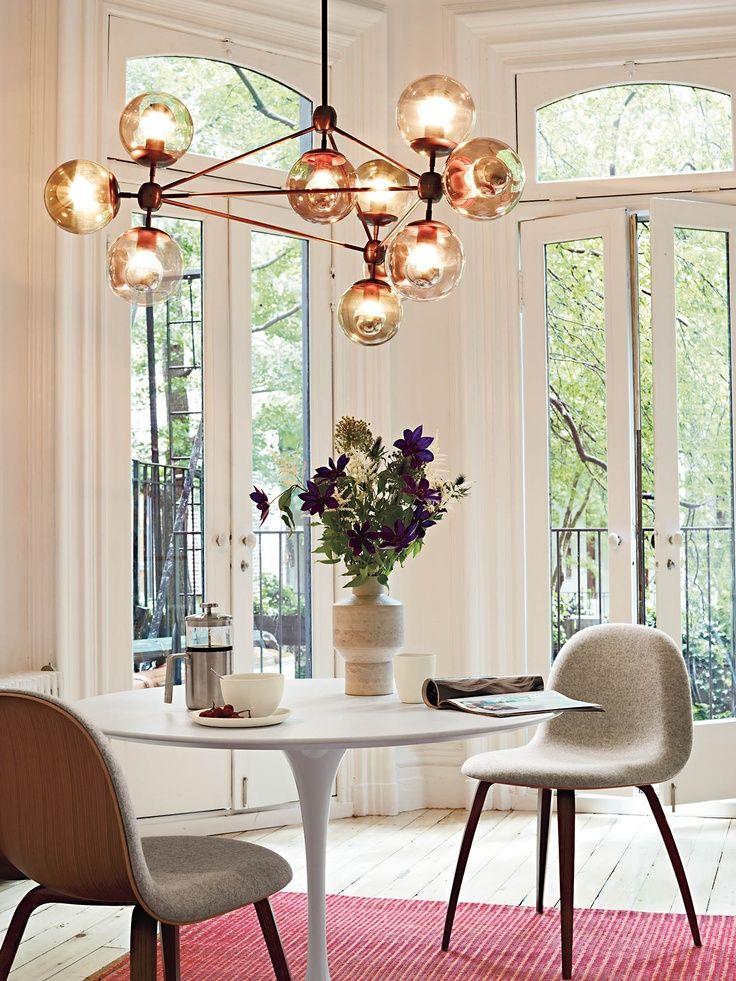 Если требуется стильное и экономичное освещение, то светодиодная люстра станет лучшим решением