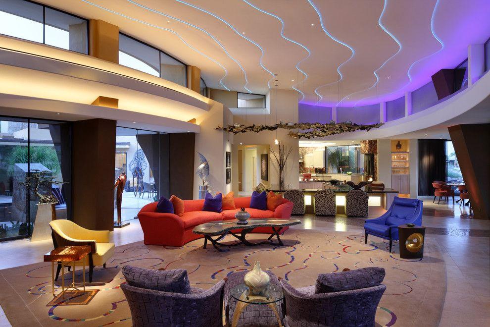 С помощью светодиодных лент можно ярко выделить контуры многоуровневого потолка