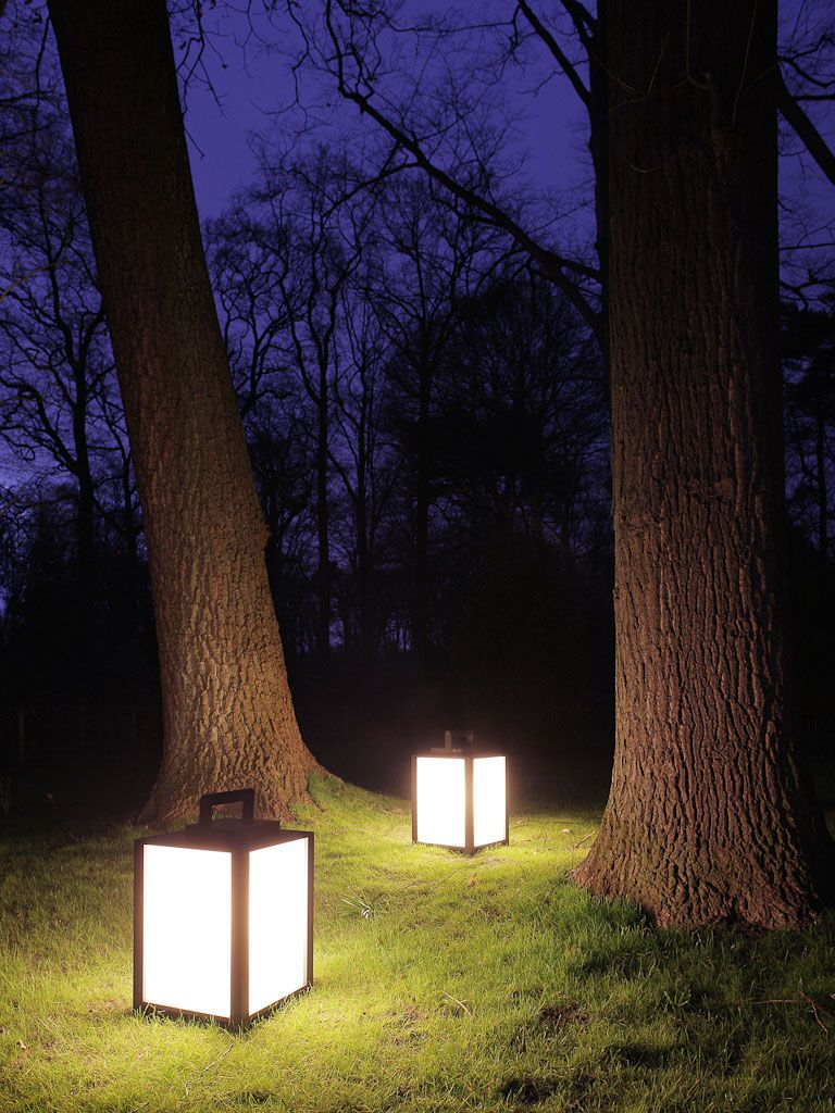 Садовые светильники в форме классических переносных фонарей