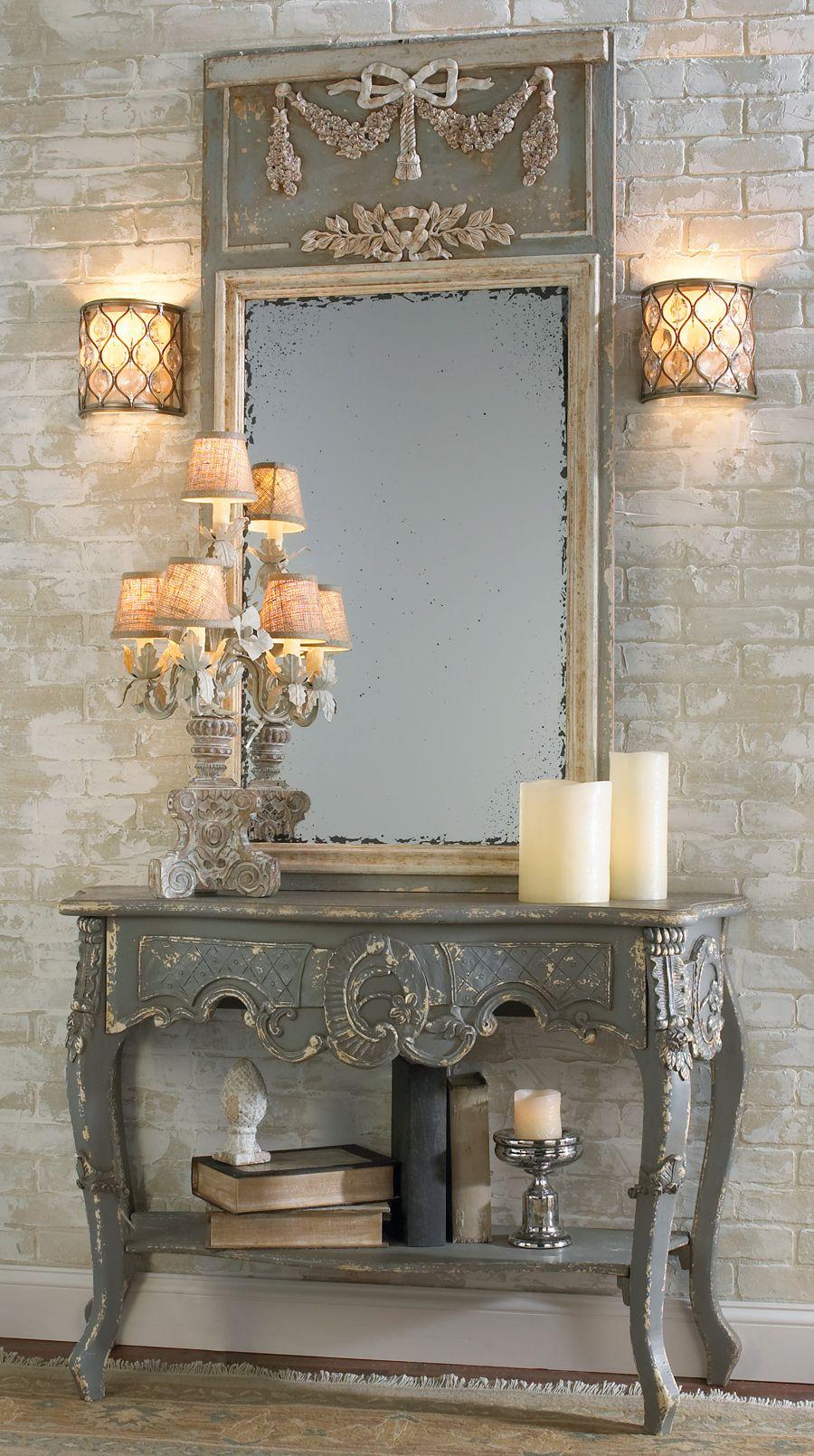 Зеркальное панно с пристенным столиком