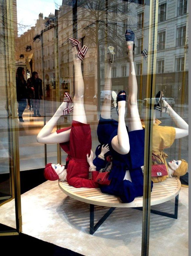 Одежду на манекене можно закрепить с помощью булавок