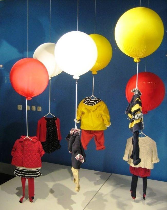 Креативная идея - парящая в воздухе детская одежда