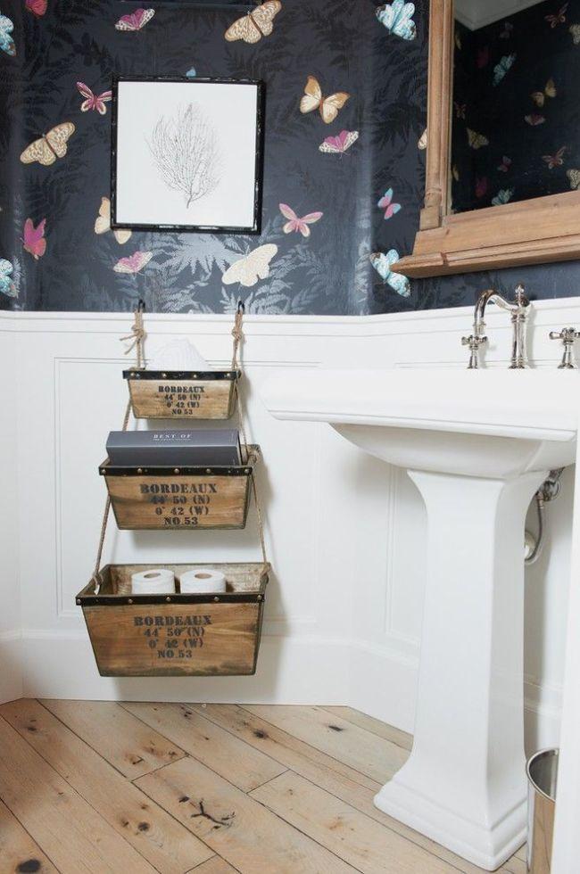 Оригинальные деревянные ящики в ванной