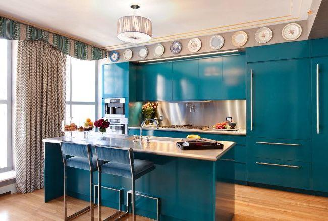 Занавески с ламбрекенами на кухне - красиво и изысканно