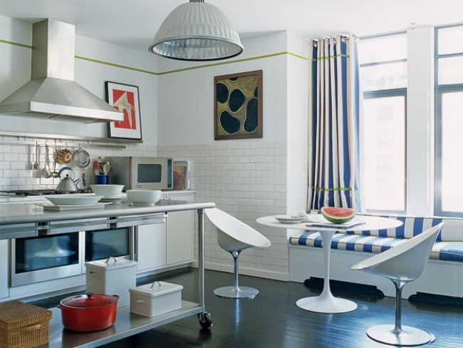 Кухонные занавески на кольцах-люверсах
