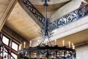 Фото 10 Кованые люстры (70+ фото): строгая изысканность в стильном интерьере