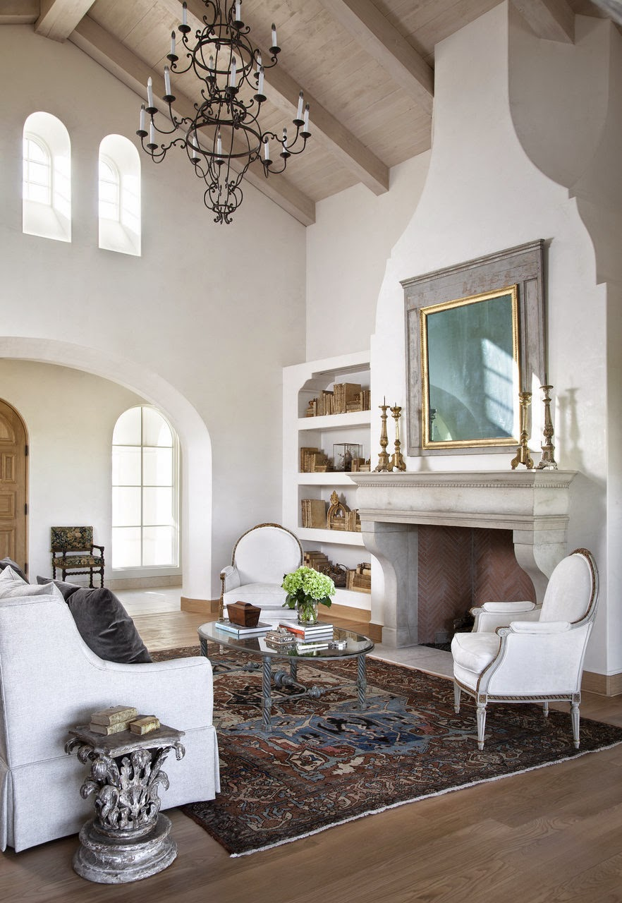 Ажурная кованая люстра - роскошный штрих в оформлении пространства помещения