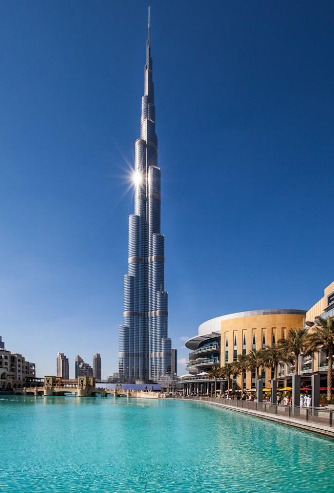 Бурдж-Халифа - небоскреб высотой 828 м в Дубае