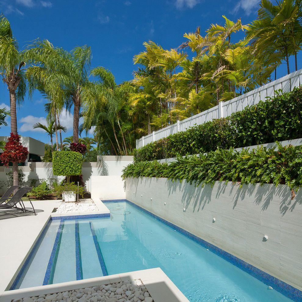 Бассейн на даче - это не только возможность поплавать, но и отличное дополнение к ландшафтному дизайну участка