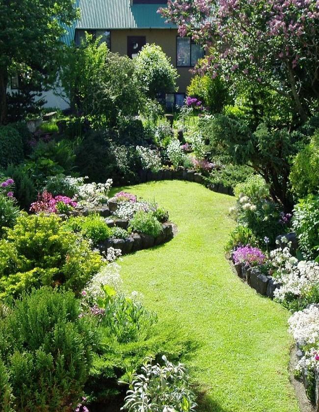 Уютный, тенистый английский сад
