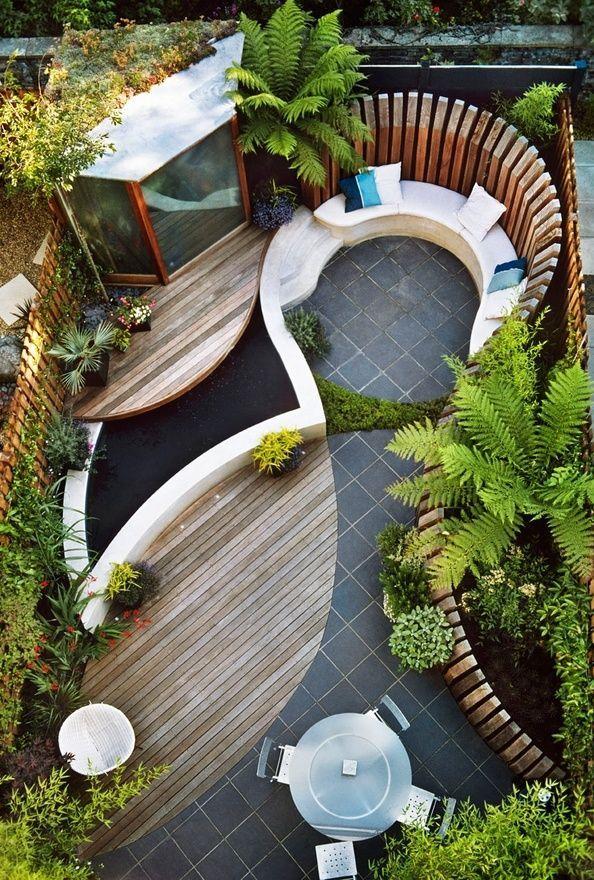 Благодаря фантазии и креативном подходу, можно и на минимальном пространстве обустроить чудесный зеленый уголок