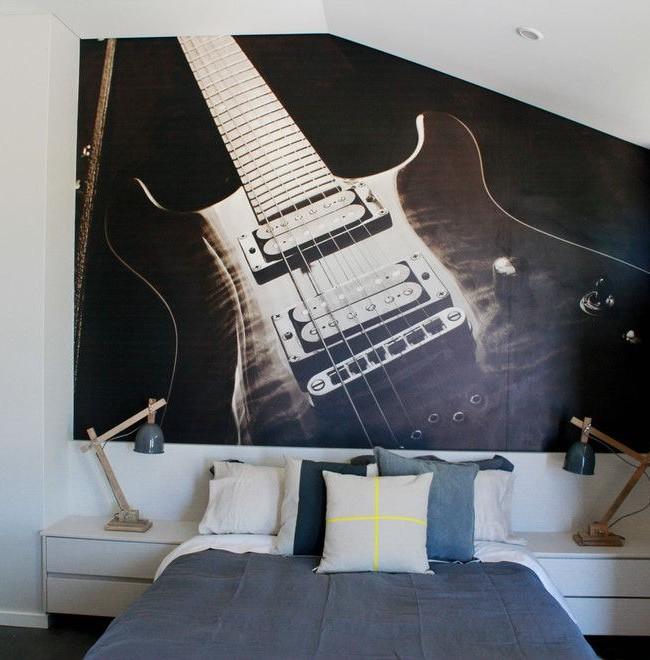 Подрастающий поклонник музыки будет рад такому оформлению своей комнаты