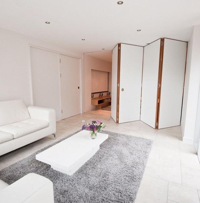 Перегородка-гармошка легко делит пространство комнаты на функциональные зоны