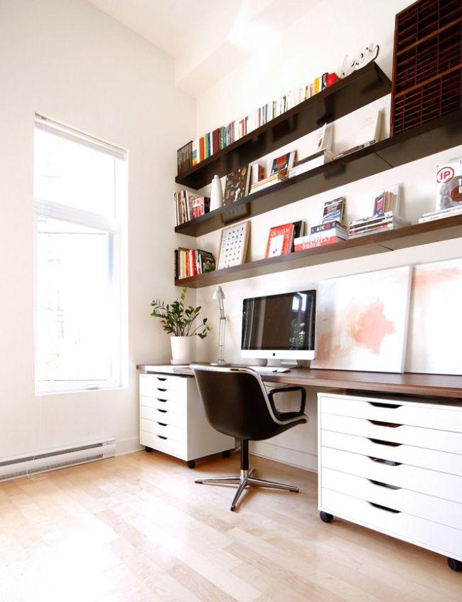 Письменный стол с надстройкой - вместительно и функционально