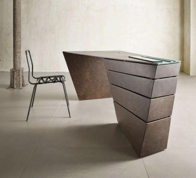 Оригинальный письменный стол в стиле авангард