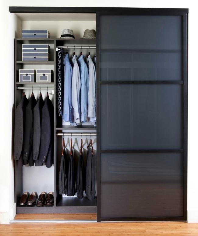 Различные способы размещения штанг для одежды
