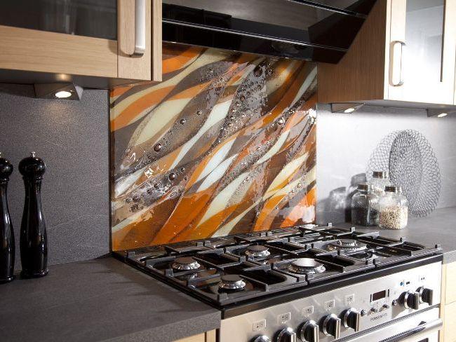 Скинали - не только функциональный, но и декоративный элемент на кухне