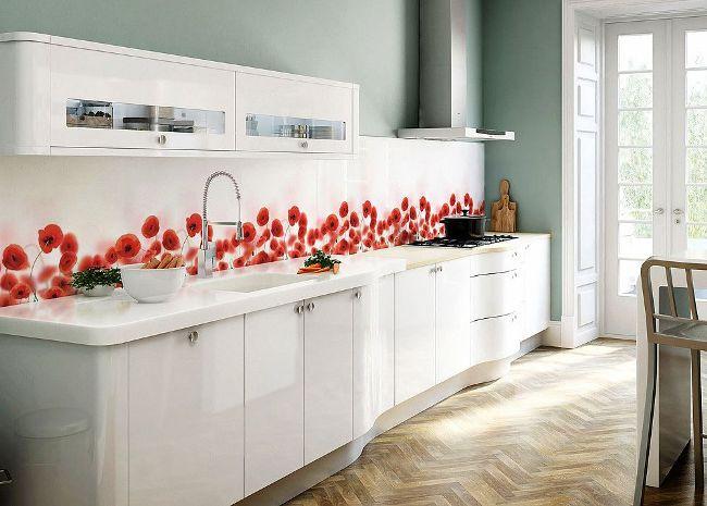 Яркие красные маки подарят кухне солнечное летнее настроение