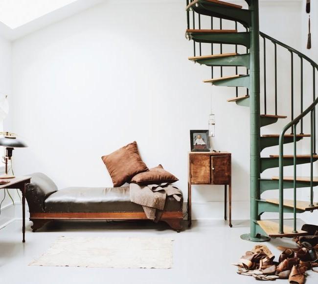 Лестница в стильном интерьере