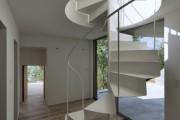 Фото 8 Винтовая лестница (50 фото): эффектные интерьерные решения