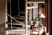 Фото 10 Винтовая лестница (50 фото): эффектные интерьерные решения