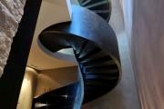 Фото 15 Винтовая лестница (50 фото): эффектные интерьерные решения
