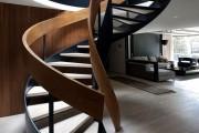 Фото 19 Винтовая лестница (50 фото): эффектные интерьерные решения