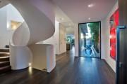Фото 20 Винтовая лестница (50 фото): эффектные интерьерные решения