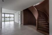 Фото 22 Винтовая лестница (50 фото): эффектные интерьерные решения
