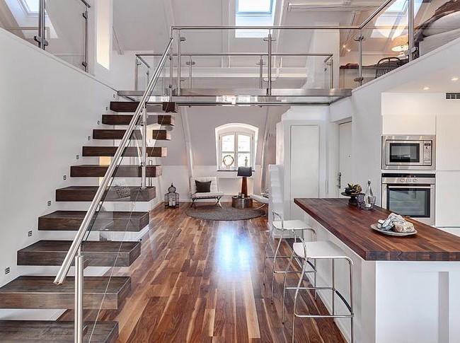 Консольная лестница, соединенная с пирилами