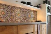 Фото 33 Керамическая плитка для кухни на фартук: особенности выбора и оформления
