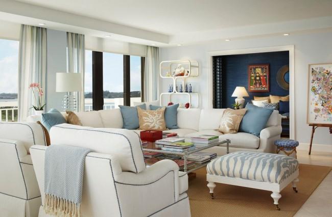 Айвори - отличный цвет для оформления общественных помещений типа гостиной. Он создает ощущение тепла и комфорта