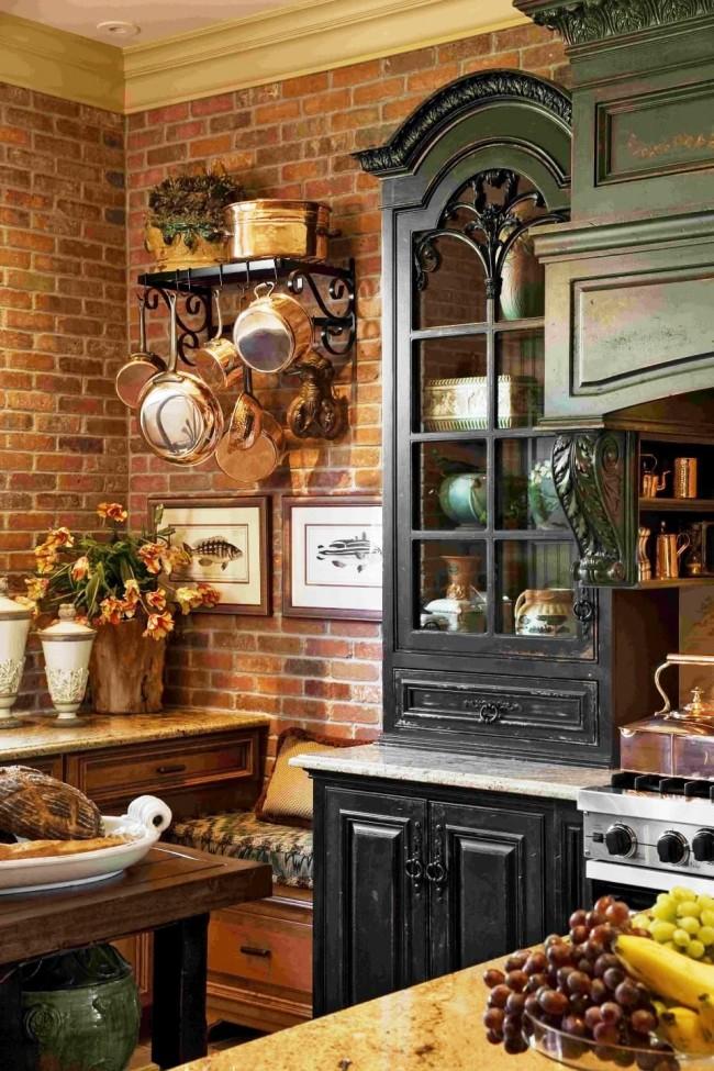 Декоративный кирпич на кухне в английском стиле