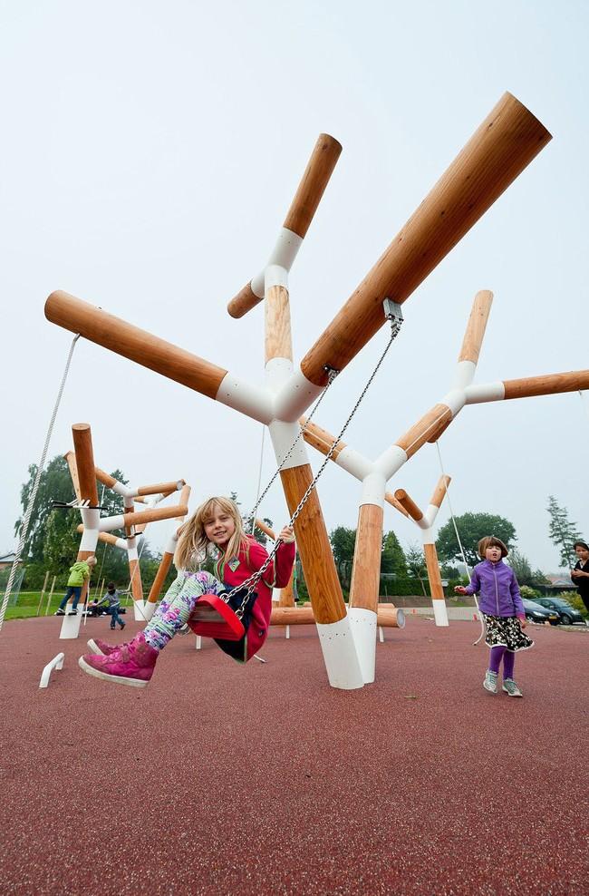 Конструкции детских площадок должны быть не только красивыми, но и прочными