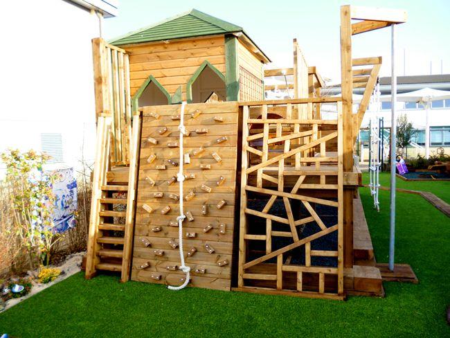Детская площадка с искусственным покрытием