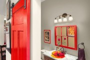 Фото 3 Двери для туалета и ванной комнаты (44 фото): особенности установки, подбор конструкции и материалов