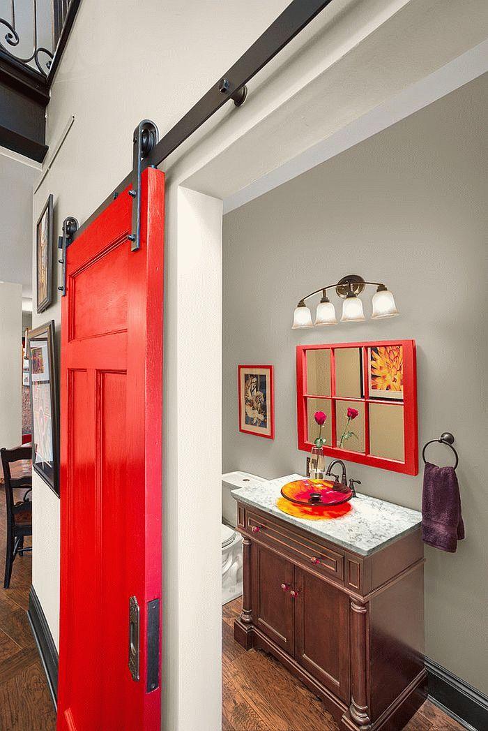 Главные характеристики для дверей для туалета и ванной комнаты - практичность, гармония с общим дизайном, простота ухода, долговечность