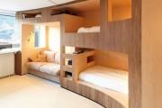 Фото 1 Двухъярусная кровать для взрослых — эргономика и функциональность