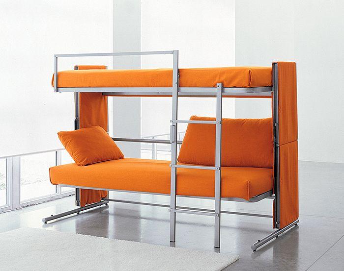 Яркая и функциональная двухъярусная кровать