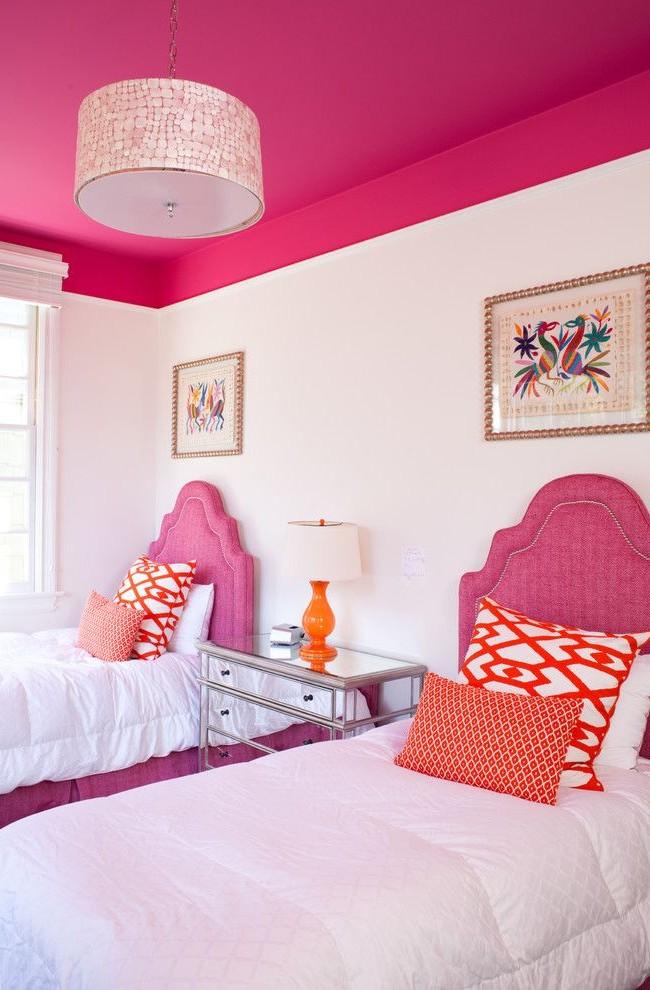 Яркая, приятная комната для девочек, оформленная в цвете фуксия