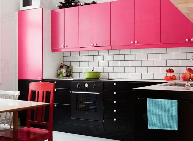 Нежнейшая розово-бело-черная кухня - идеальное место для семейных посиделок