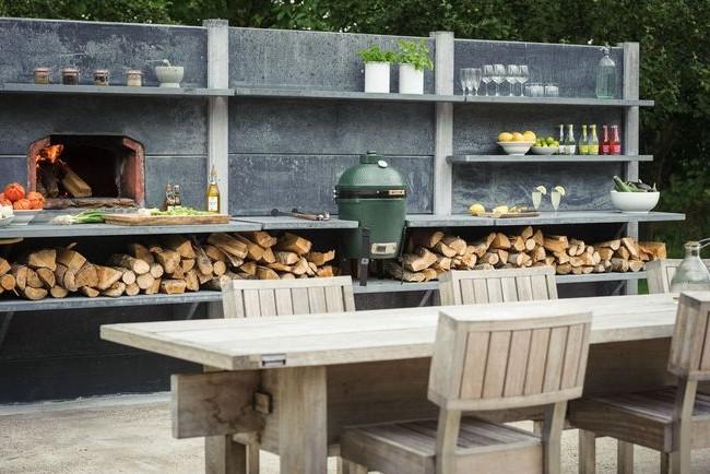 Кухня в стиле кантри с барбекю-котлом