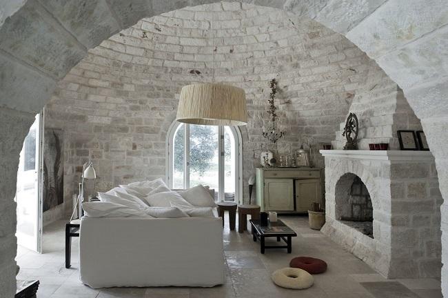 Интерьер секции-комнаты купольного дома