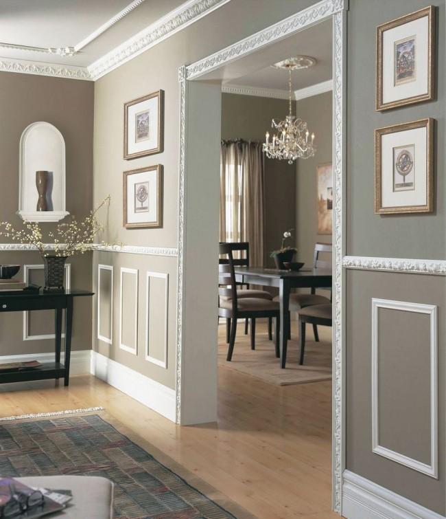 Лепнина из полиуретана в интерьере также используется для декорирования дверных проемов