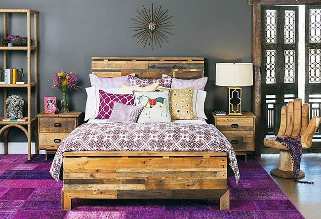 Красивая кровать из поддонов
