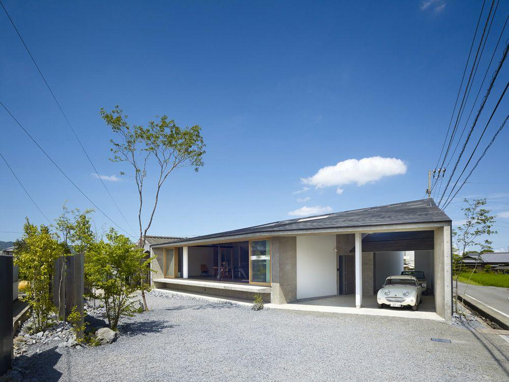 Навес и дом с одной крышей